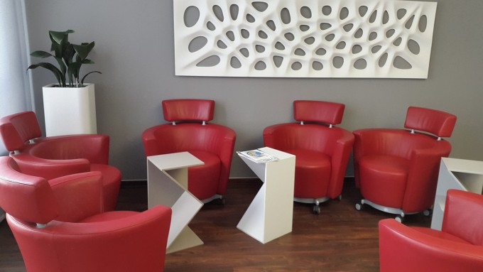 chair-946689_1280