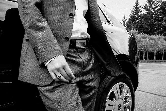 s-suit-923133_1920