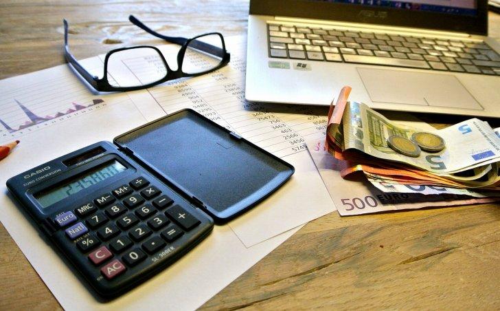 s-taxes-740202_1280