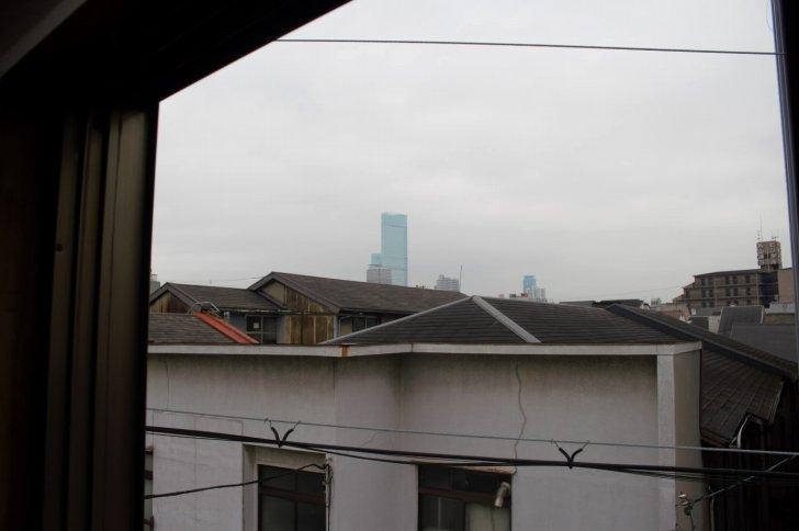 窓からあべのハルカスが見えるんだとか
