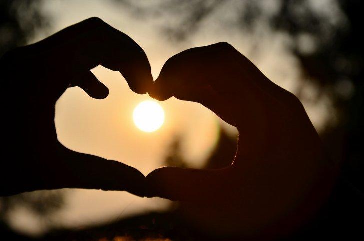 s-heart-hands