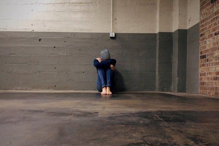 s-person-down