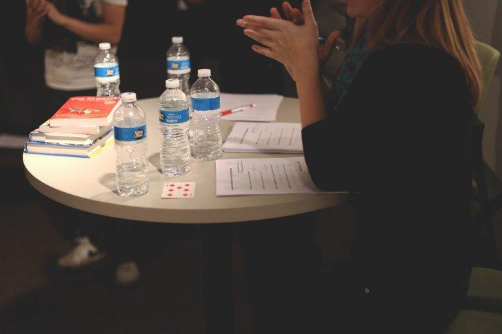 s-meeting-discuss