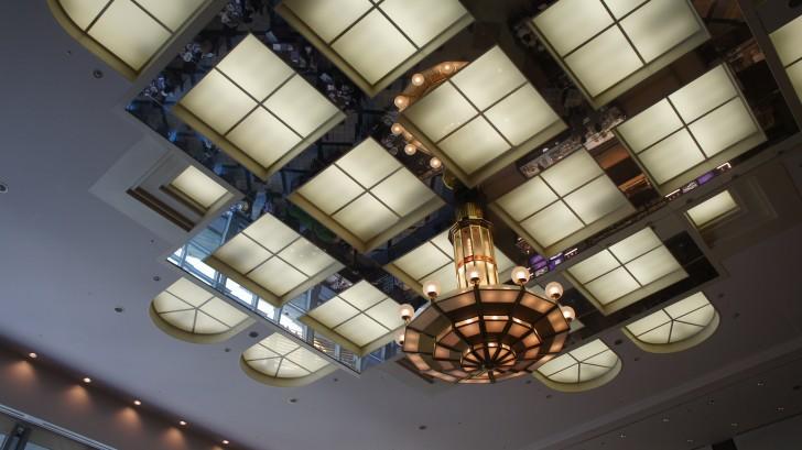 ナイト&デイの天井