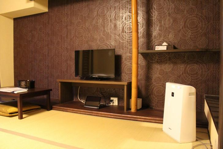 テレビやテーブル、空気清浄機