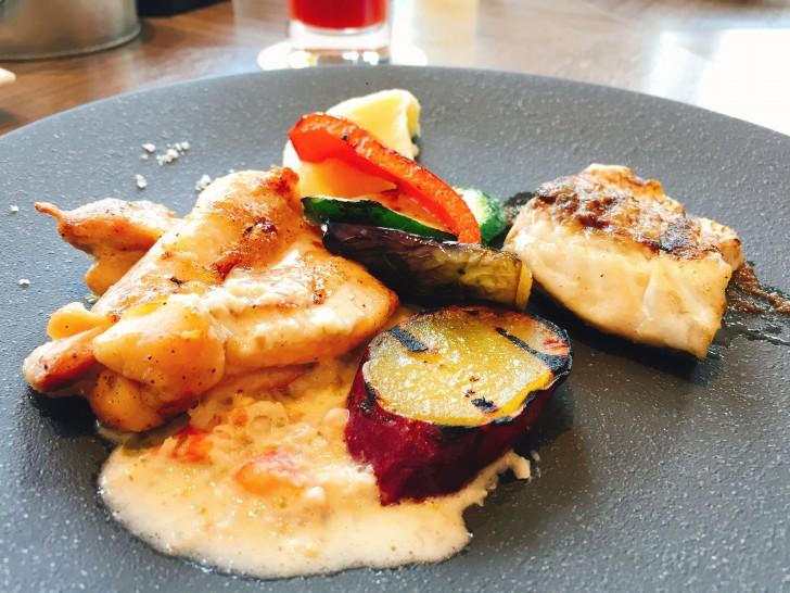 メインの肉と魚