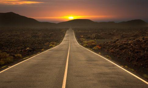 夕陽と地平線