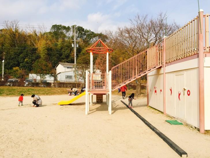 砂場&小さめの遊具