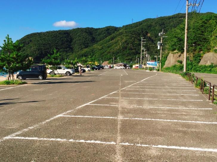 水晶浜の駐車場